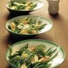 Salat med omeletbidder